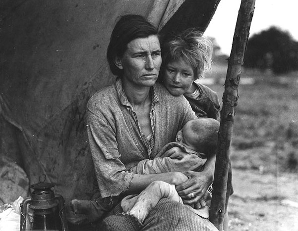 Photograph of farmworker family during the Great Depression